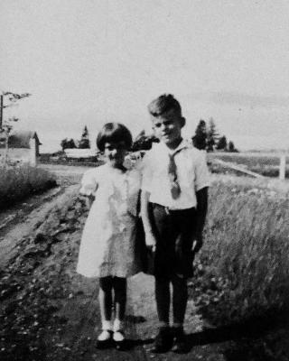 Merilyn and her twin brother Leigh, late 1930s
